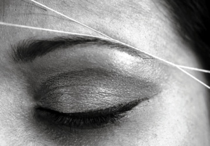 How to pluck eyebrows with thread
