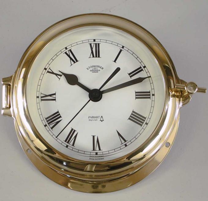 Не всегда целесообразно менять весь механизм часов