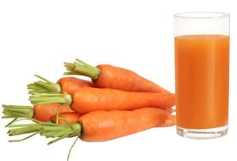 Морковный сок полезен для детей и взрослых.