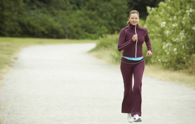 Jogging is an effective way to keep the thighs in shape.