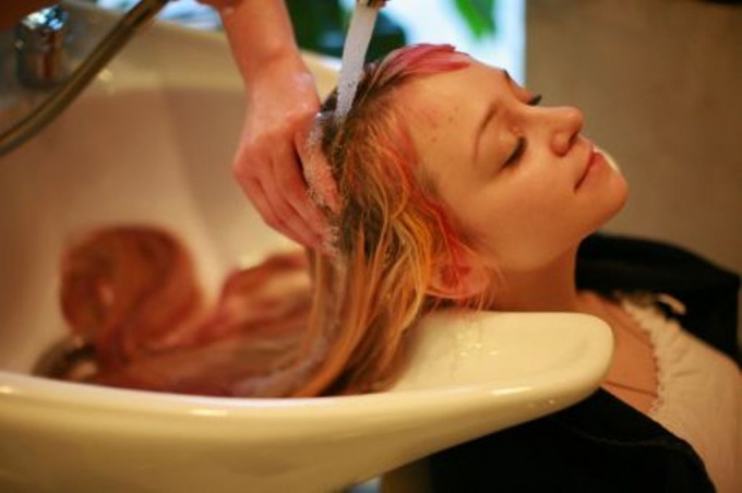How to wash <b>color</b> <strong>hair</strong>