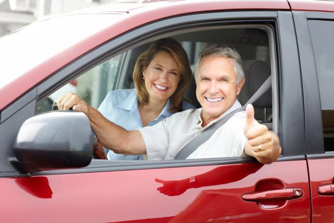 Как оформить договор купли-продажи на автомобиль