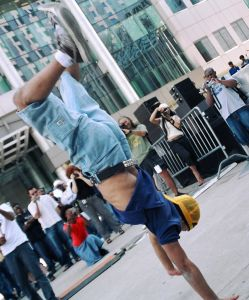 Как научиться танцевать хип-хоп