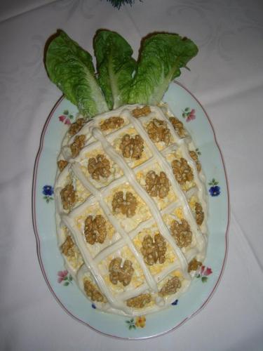 Как приготовить салат с ананасами