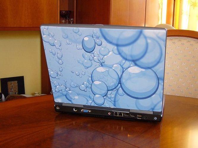 Полноцветная наклейка украсит любой ноуитбук