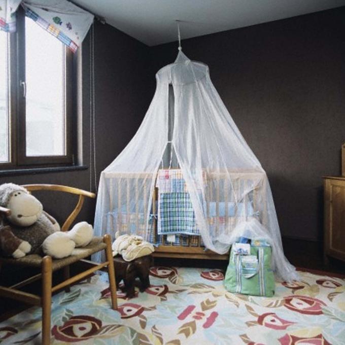 Многим детям удобнее и спокойнее под балдахином
