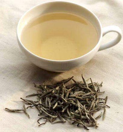 Самый знаменитый желтый чай – Серебряные иглы с горы Цзюнь Шань.