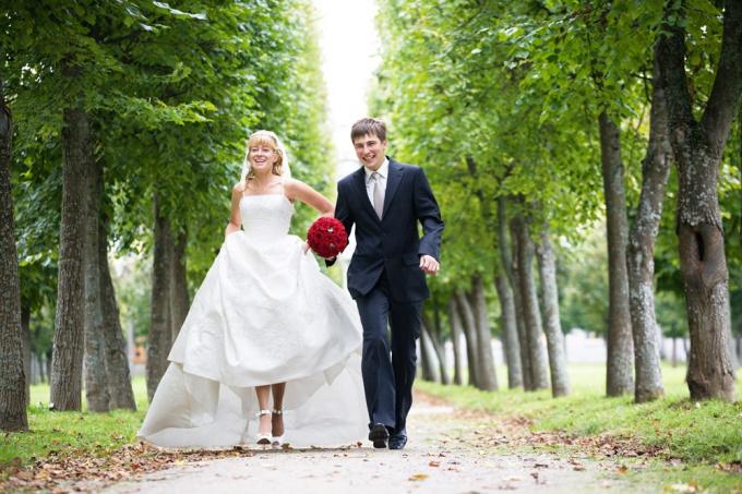 Снять фото на свадьбу