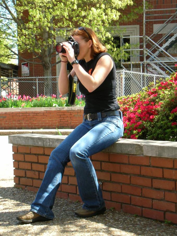 Снять любительский клип можно и при помощи фотоаппарата с функцией видео