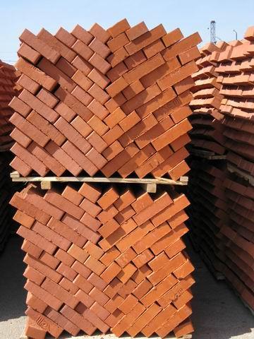 При строительстве дома обязательным условием строительства и проектирования является правильный расчет количества кирпича