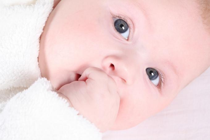 Как успокоить новорожденного