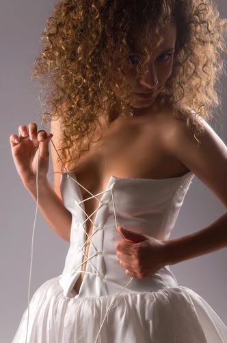 Корсет — это старинный предмет женской одежды