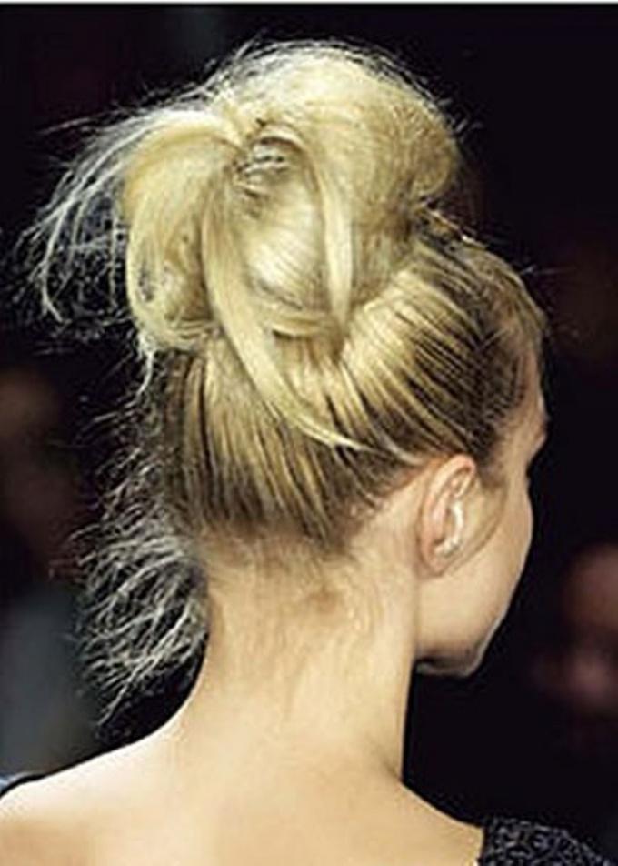 Как красиво собрать <strong>волосы</strong>