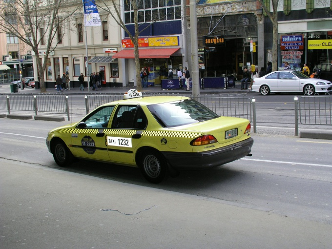 Cars for your taxi cab company should be recognizable in the traffic