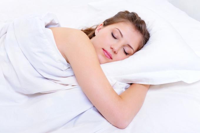 Сон необходим человеку для того, чтобы отдохнуть и набраться новых сил