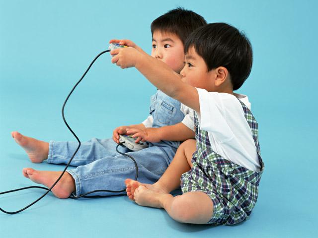 Общение со сверстниками детям необходимо.