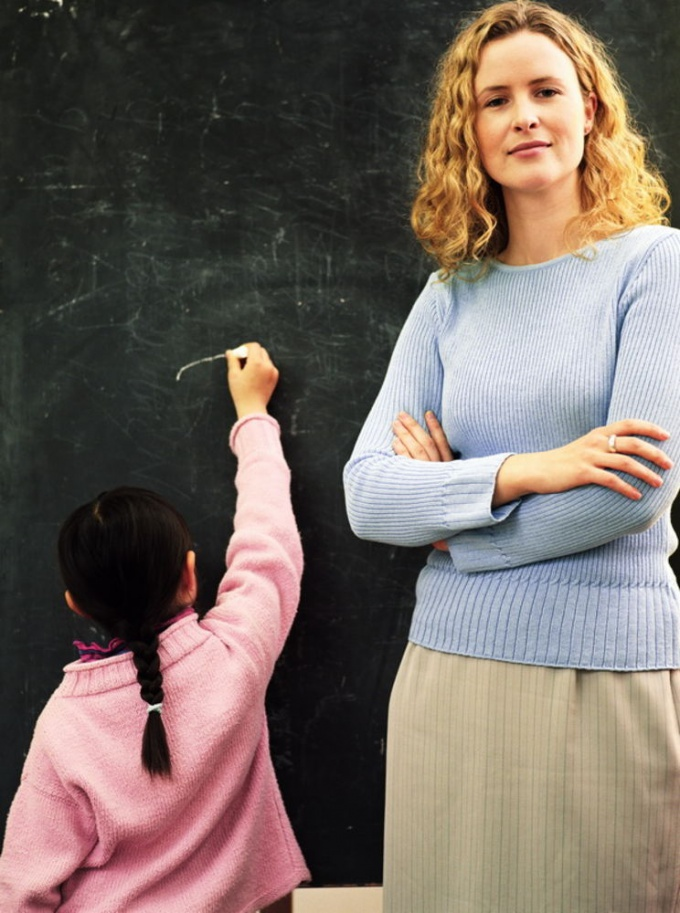 Не нужно переделывать преподавателя