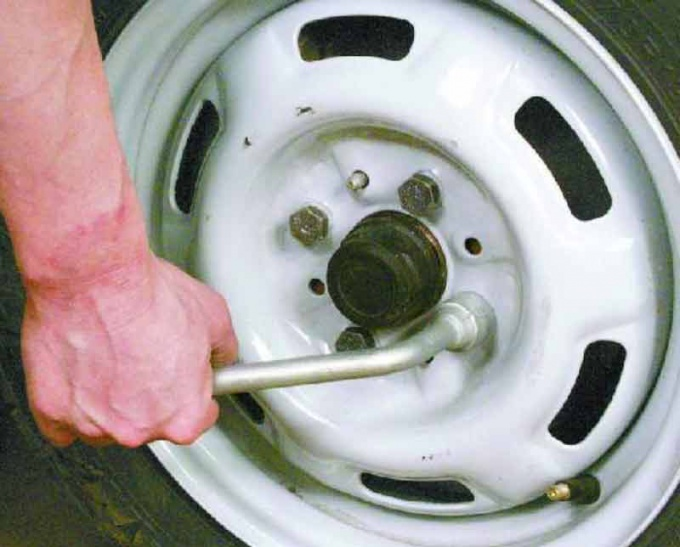 The process of replacing the wheels especially light weight for quick replacement