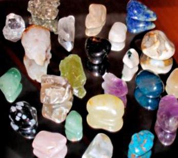 Камни - живые могущественные существа и способны брать людей под свое покровительство
