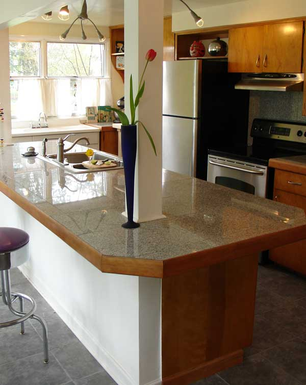 Тип столешницы зависит от дизайна кухни.