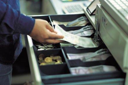 Вернуть свои деньги вполне возможно, главное - действуйте спокойно и уверенно