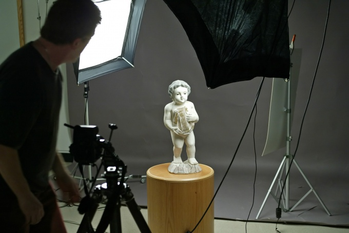 The conditions for the work of the photographer-artist must be created perfect