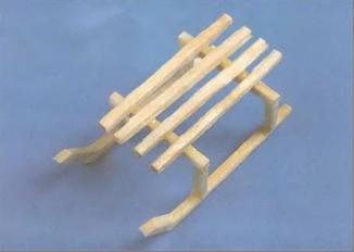 Как построить из спичек санки