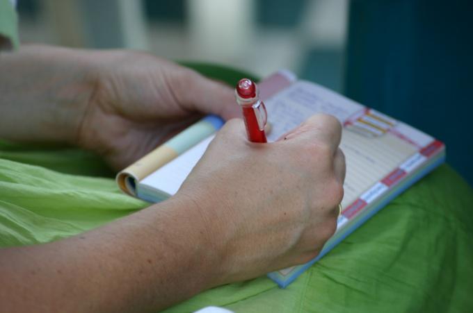 Убедитесь, что ваш почерк поймут