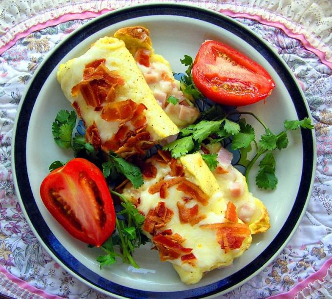 Омлет - простое в приготовлении и полезное блюдо к завтраку