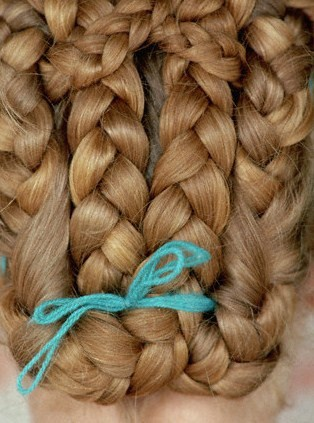 Как сделать причёску из косичек