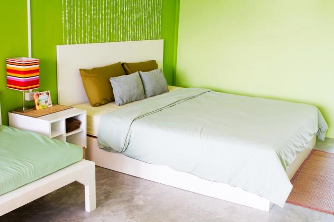 Как сделать в спальне ремонт