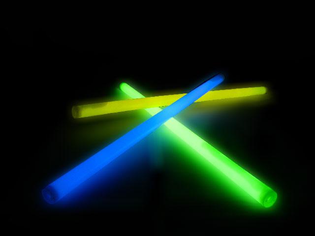Как сделать светящуюся палочку