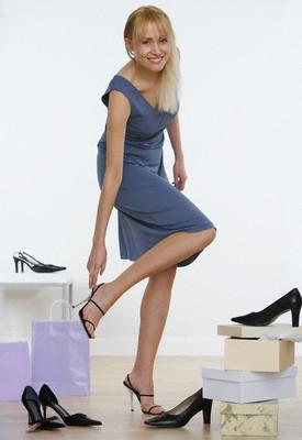 Не ограничивайтесь примеркой только одной пары обуви при покупке