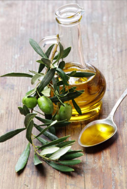 Применение оливкового масла в домашних условиях