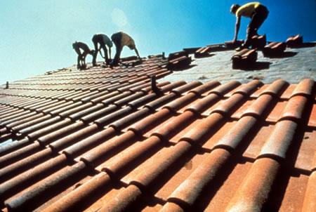 покрывать крышу