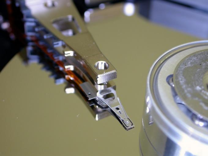 Как поставить два жестких диска