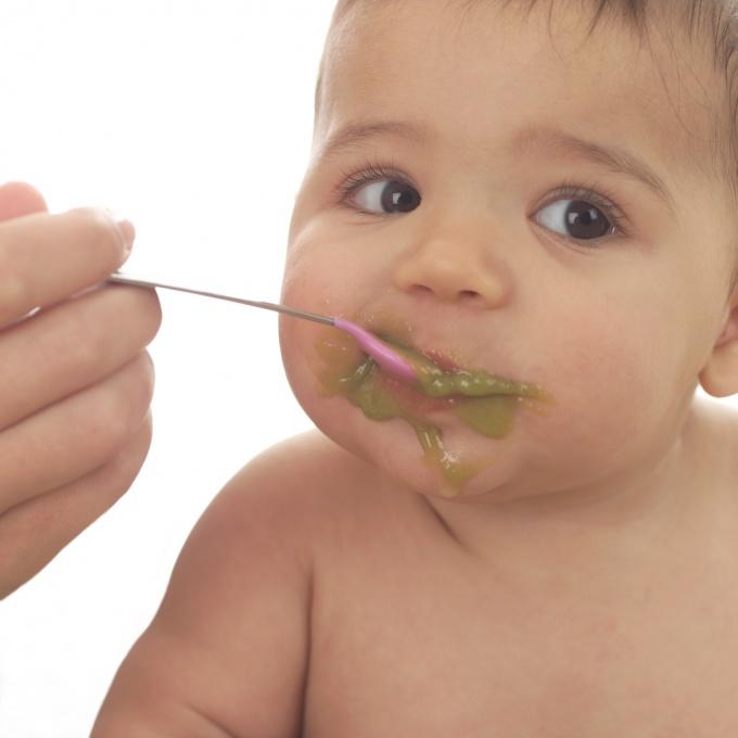 Как вводить прикорм детям на грудном вскармливании