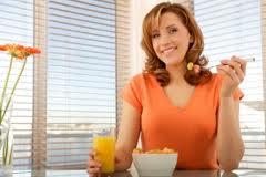 Принимайте пищу в спокойной обстановке