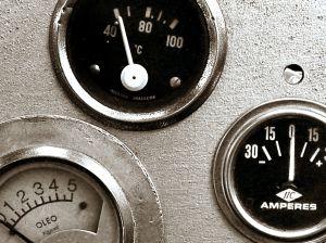 Как доливать масло в двигатель