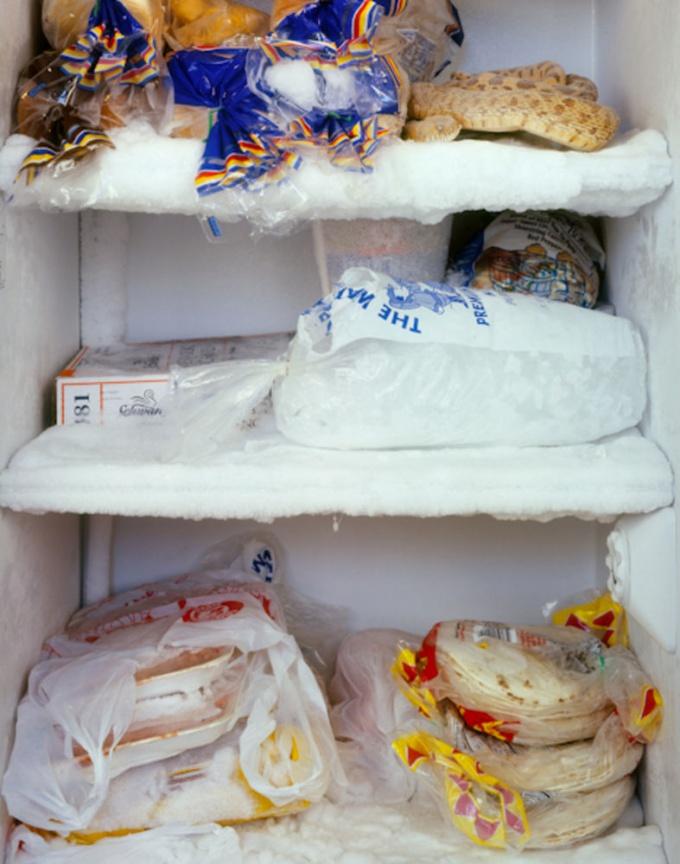 Как вывести <strong>запах</strong> из <b>холодильника</b>