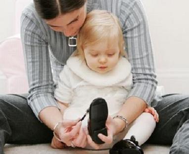 Первая детская обувь должна быть изготовлена из натуральных материалов.