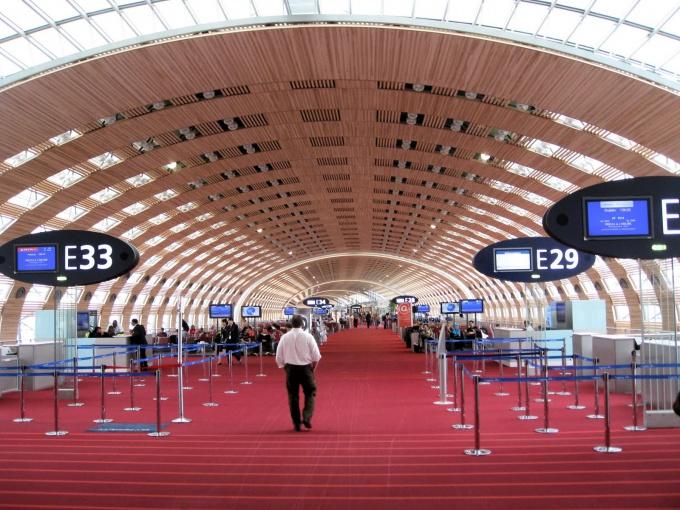 Аэропорт Шарль де Голль, Париж