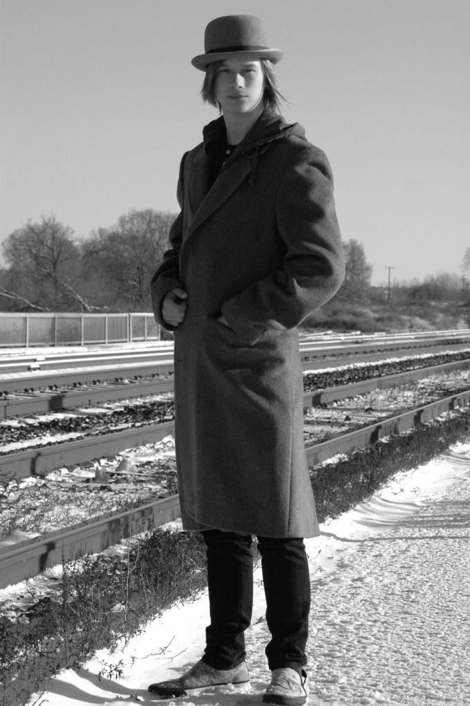 Мужчина в пальто всегда выглядит стильно
