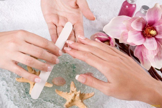 How to make the correct form of the nails