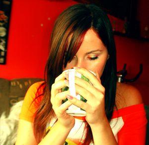 чашка крепкого кофе - лучшее средство для пробуждения