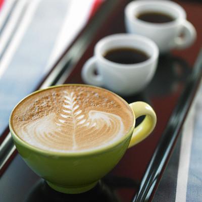 Основой кофейных напитков с молоком является эспрессо.