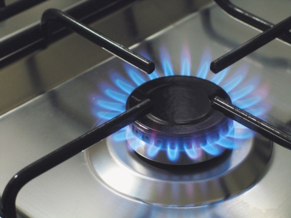 How to turn on the oven in a gas stove