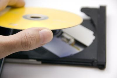 Как закачать фильм в компьютер