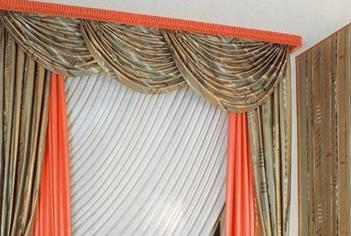 Pelmet of Smad is the most popular method of window decoration.
