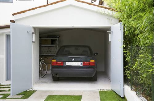 How to raise a garage